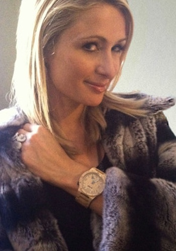 Tic watches wewood watch as seen on paris hilton paris hilton wearing wvbeige wewood watch for Woman celebrity watches